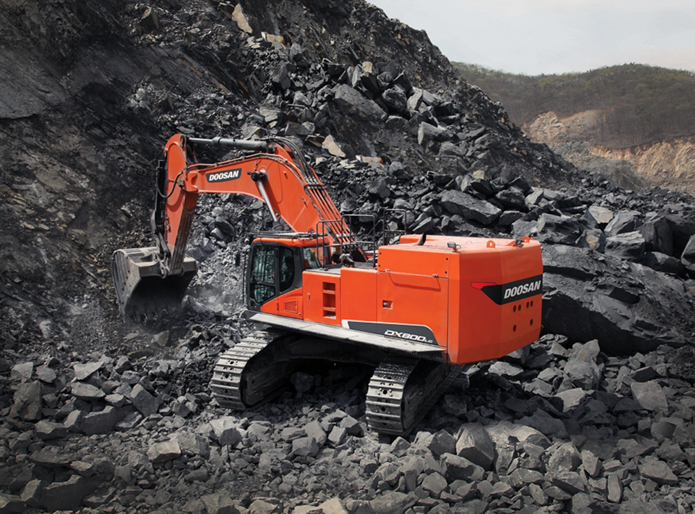 Doosan Infracore's 80-ton Super-Large Smart Excavator Selected as the Industrial Technology of the Year