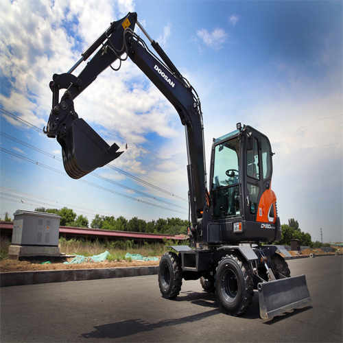 Doosan Infracore recently launched a new 6-ton wheel excavator (DX60W ECO) in China, further increasing its excavator sales in the market.